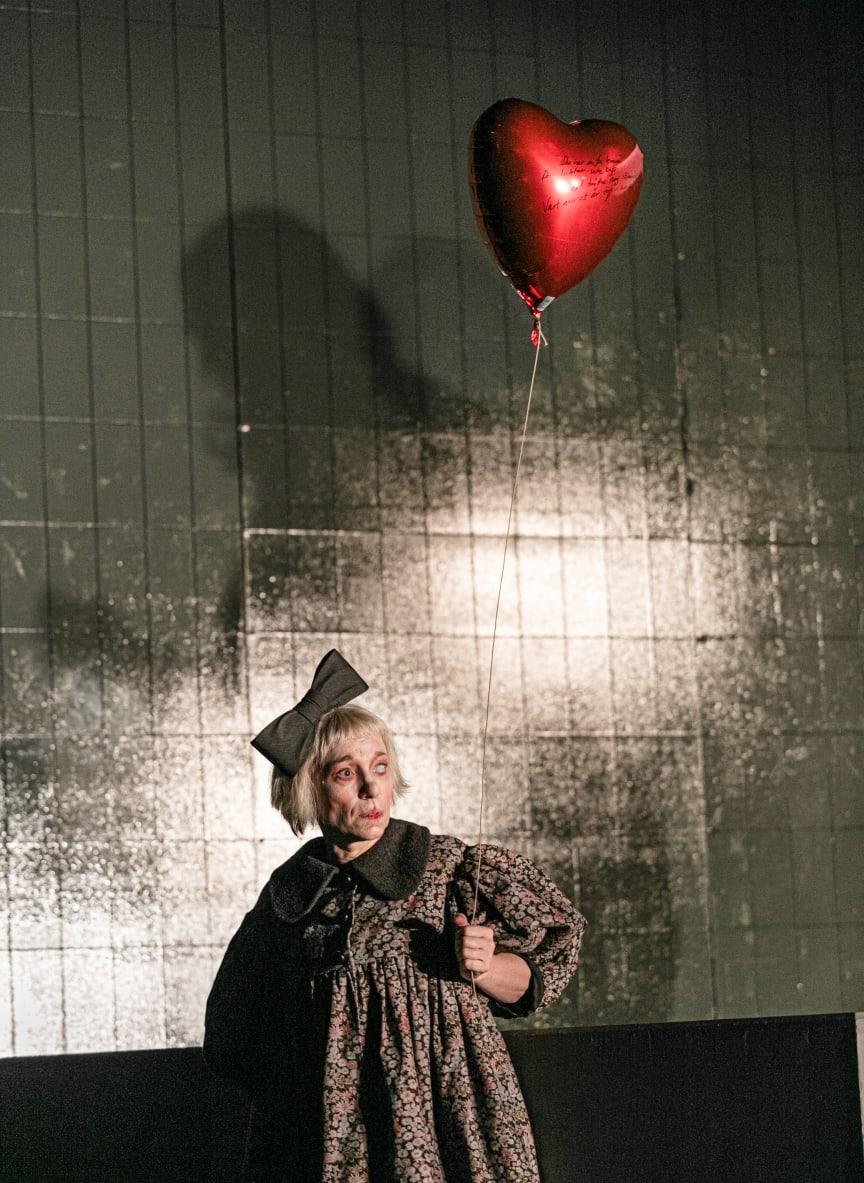 Misantroperna - föreställningsfoto