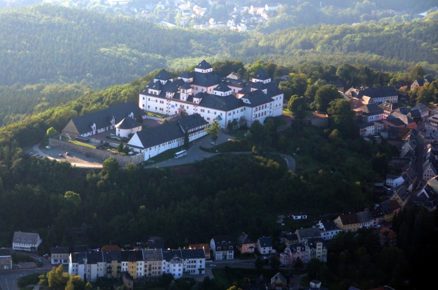 Schloss Augustusburg aus der Luft (c) ASL-Schlossbetriebe gGmbH_Maik Bohn.jpg