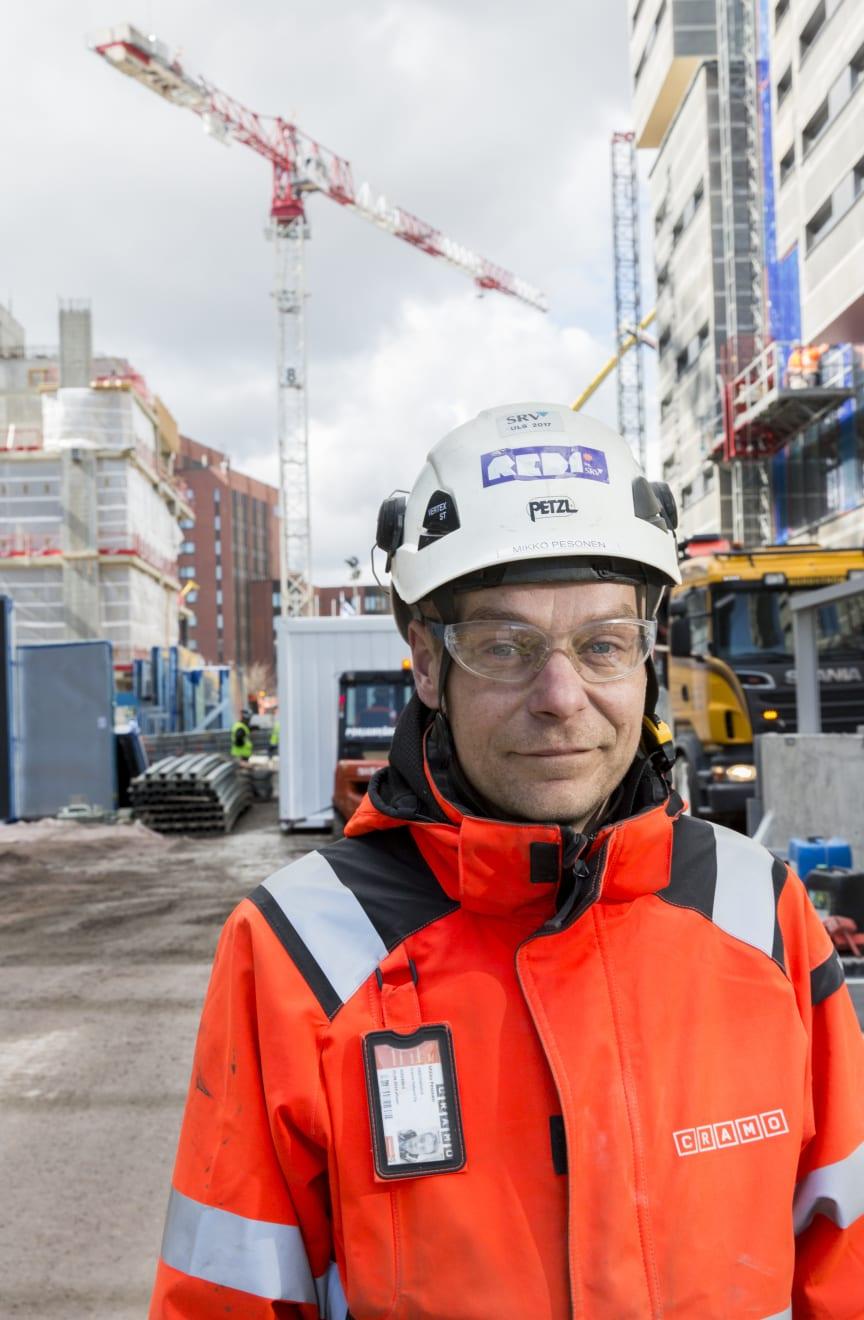 – Kaluston määrä pysynee jatkossa kutakuinkin samana, mutta käsipareja tarvitsemme tänne vielä myöhemmin lisää, arvioi työnjohtaja Mikko Pesonen.