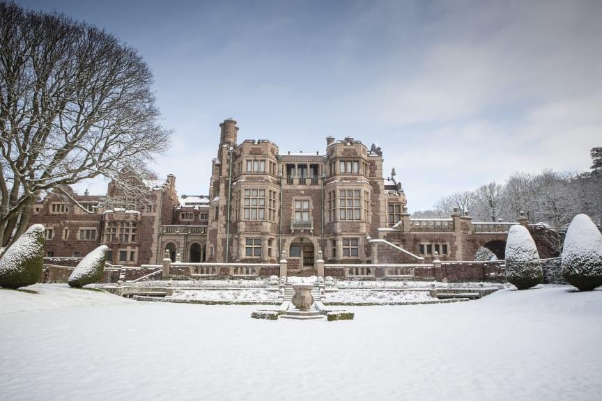Tjolöholms Slott klätt i snö