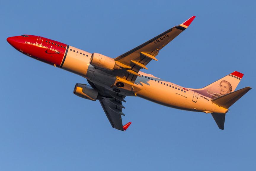 737-800 Sunset departure