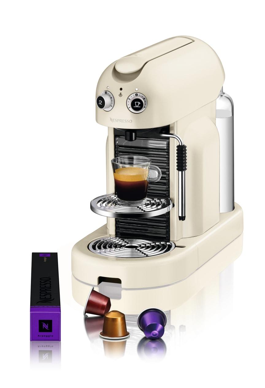 Maestria Krämvit med espresso och förpackning