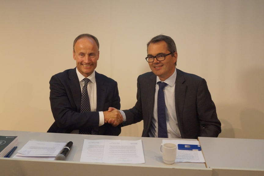 Millardavtale: Enova-direktør Nils Kristian Nakstad og Hydro-direktør Svein Richard Brandtzæg