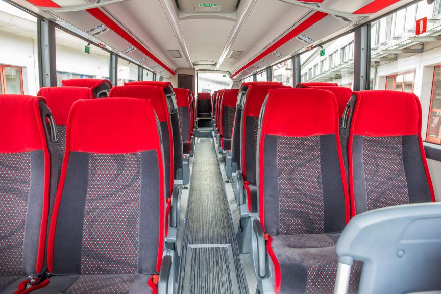 Der Scania Bus ist mit 35 Sitzen ausgestattet