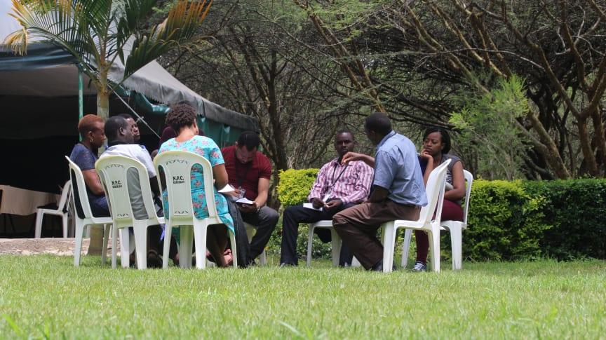 Gruppsamtal i Kenya