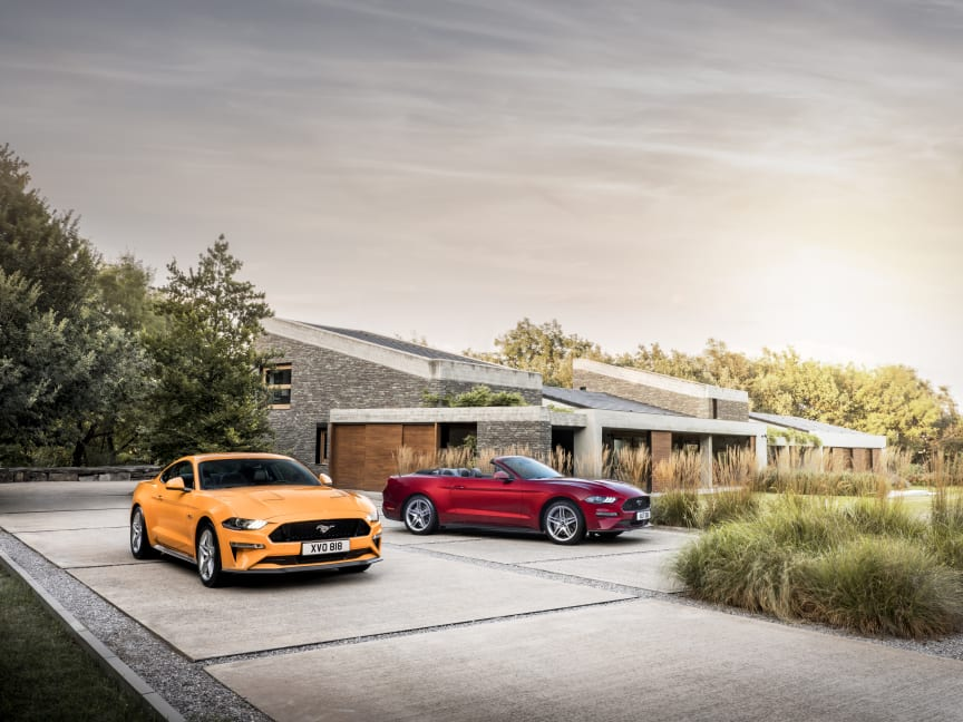 FORD MUSTANG 2017 (44)