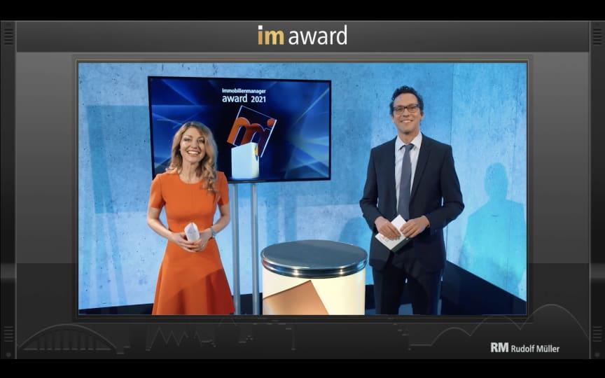 Die Online-Preisverleihung des immobilienmanager-Award wird moderiert von Schauspielerin Nadine Arents und Markus Gerharz, Chefredakteur immobilienmanager.