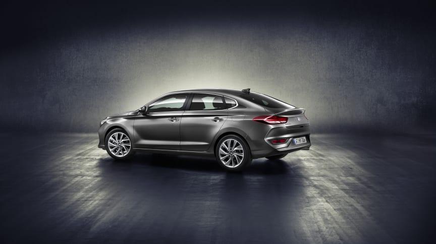 All-New Hyundai i30 Fastback (1)