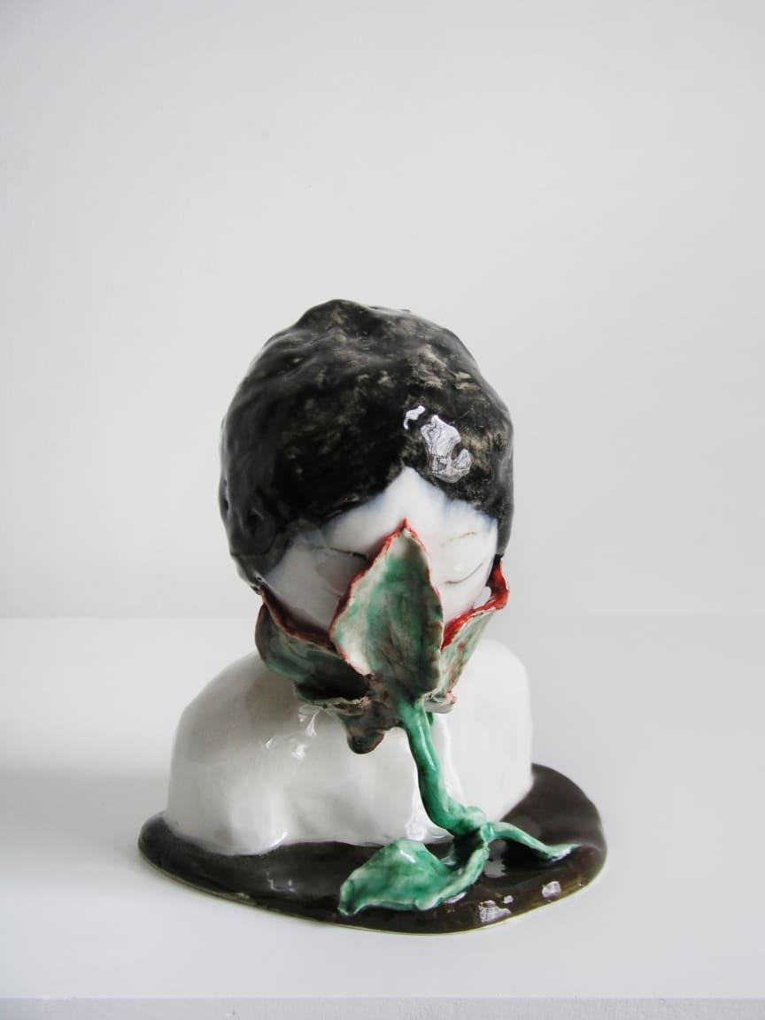 Klara Kristalova, Omsluten II/Surrounded II, 2007, porcelain. Courtesy of Galleri Magnus Karlsson