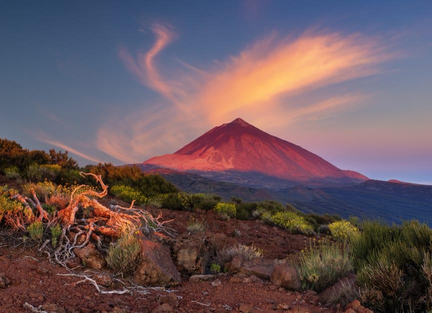 Utsikt over det vulkanske landskapet i Teide Nasjonalpark. Dette området er listet på UNESCOs verdensarvliste.