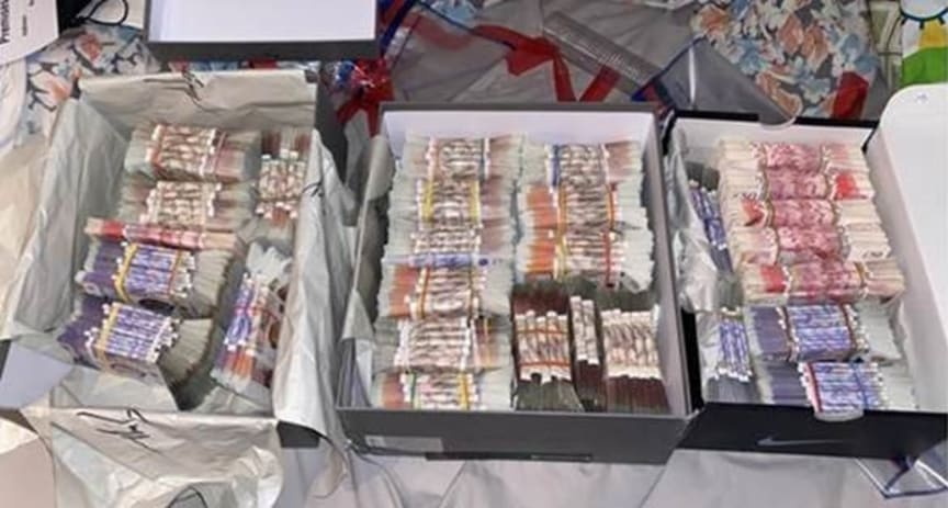 BOR3126-21 Some of the cash.jpg