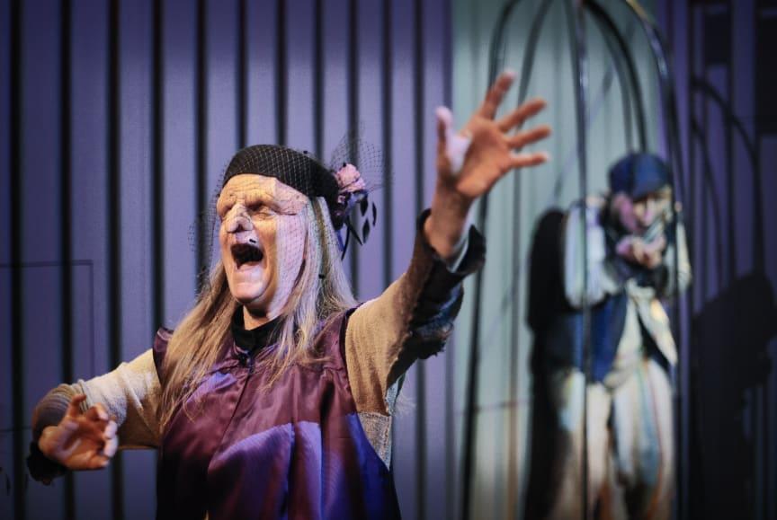 Vargtimma Nypremiär 6 mars på Folkteatern Göteborg - en magisk föreställning för barn inspirerad av de klassiska folksagorna