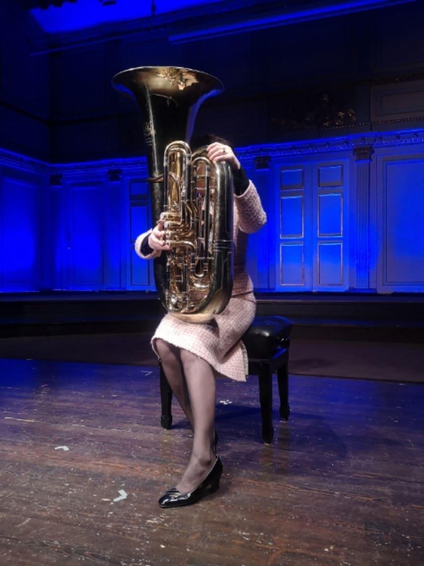 Rachel Mohlin som Silvia i Den Stora Blåsarfesten