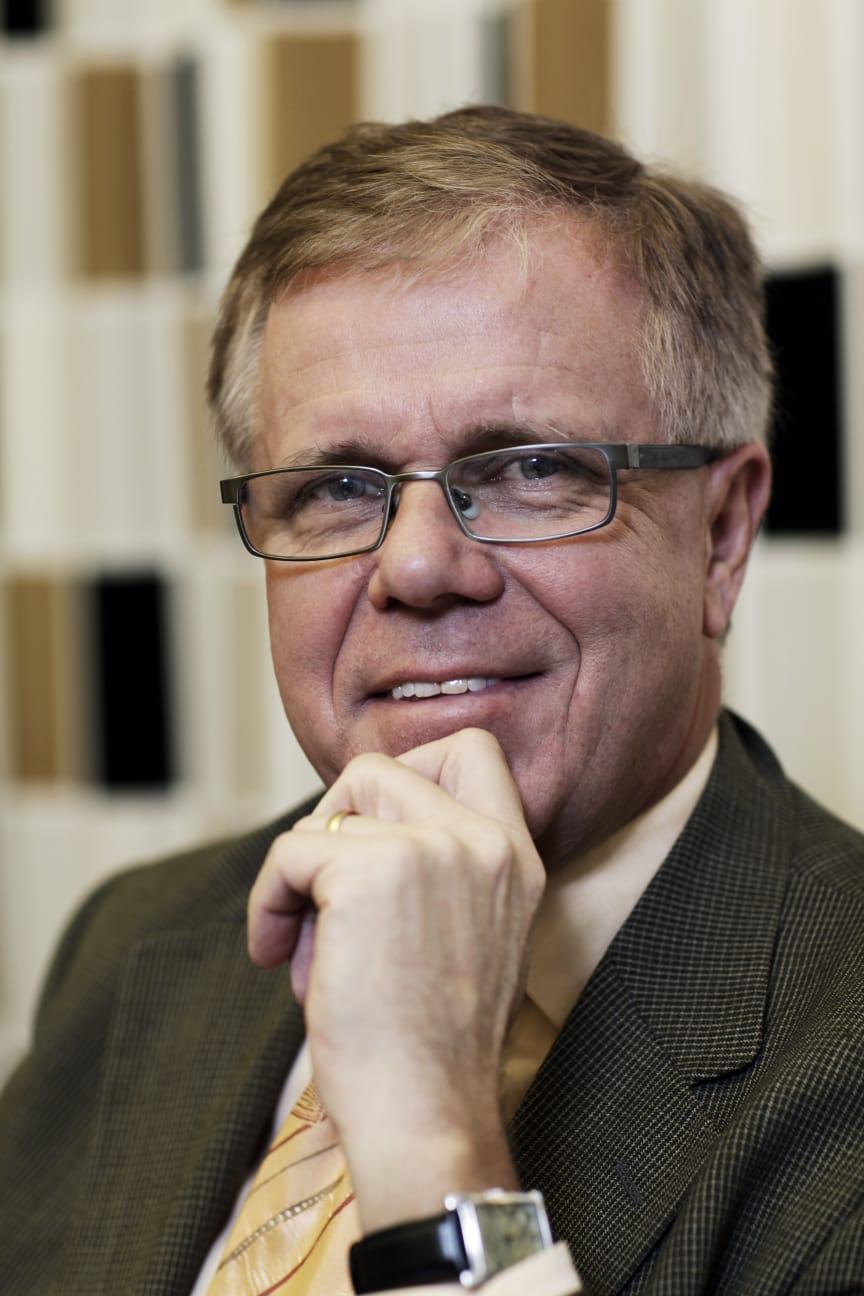 Erik Hellqvist, Svensk Byggtjänst