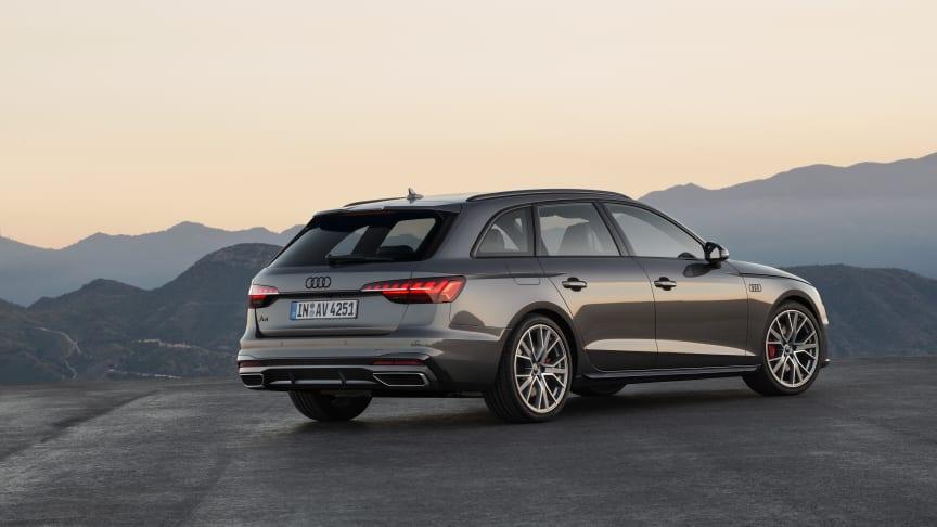 Audi A4 Avant (terragrå)