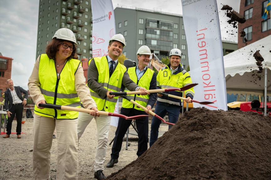 Första spadtaget för Riksbyggens kv Futura i Lindholmshamnen, Göteborg