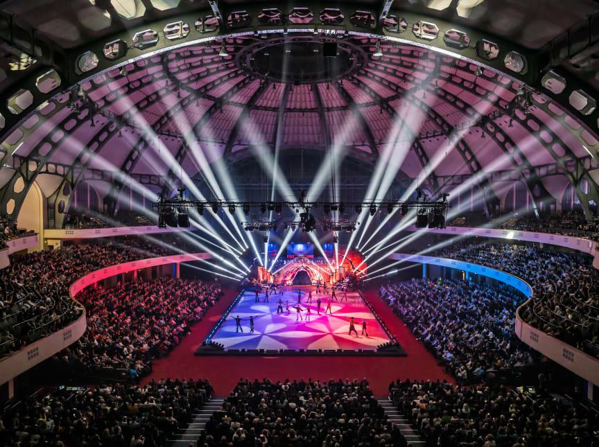 Ausverkaufte HOLIDAY ON ICE Show in der Festhalle Frankfurt
