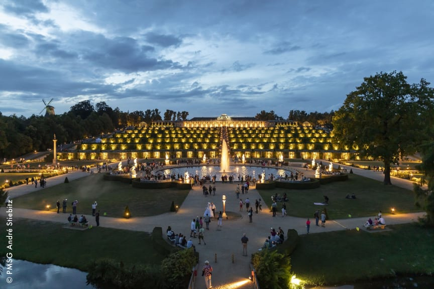 Potsdamer Schloessernacht_Credit_Andre_Stiebitz Sanssouci weit dunkel