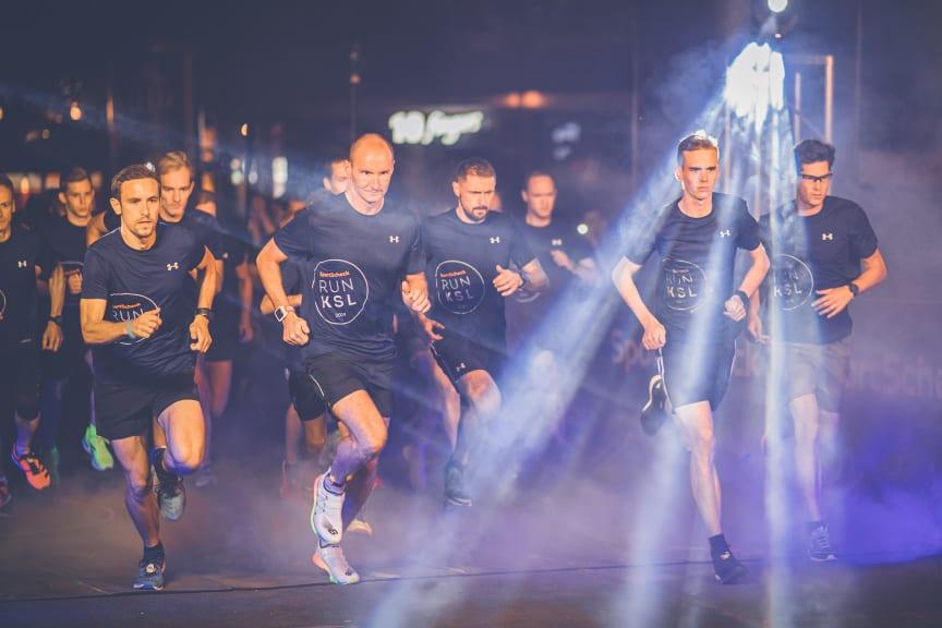 Hochkonzentriert liefen Sportler durch das nächtliche Kassel