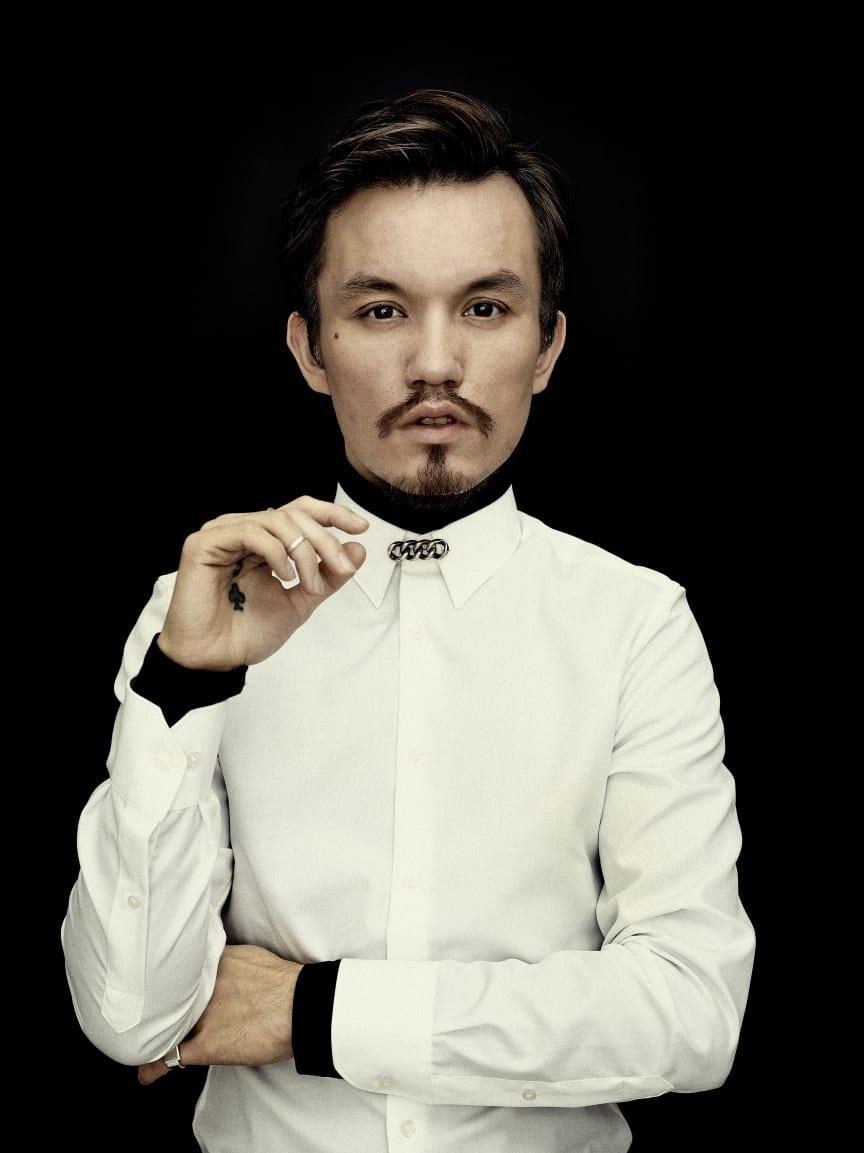 Designer Mark Kenly Domino Tan