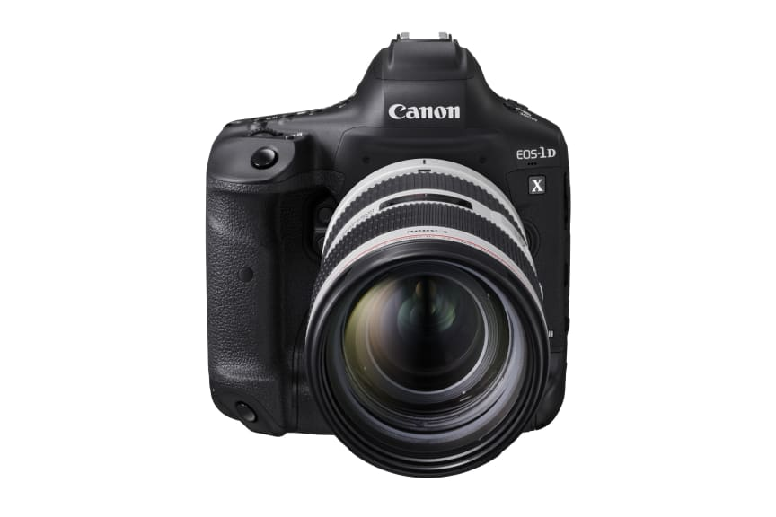 Canon EOS-1D X Mark III_FrontSlantDown_EF70-200F2.8LISIIIUSM