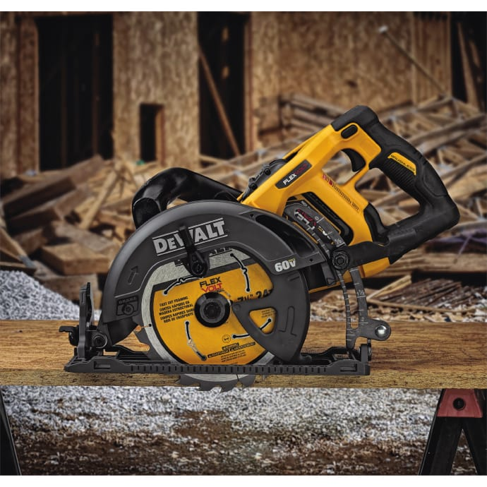 announces the continued expansion of the flexvolt system now including the flexvolt 60v max 714u201d worm drive style saw dcs577