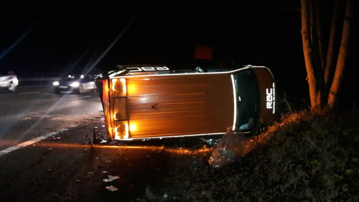 1604379621 The RAC patrol van struck by a car on the westbound hard shoulder on the M4  near Swindon at 8.00pm on Thursday 23 November.