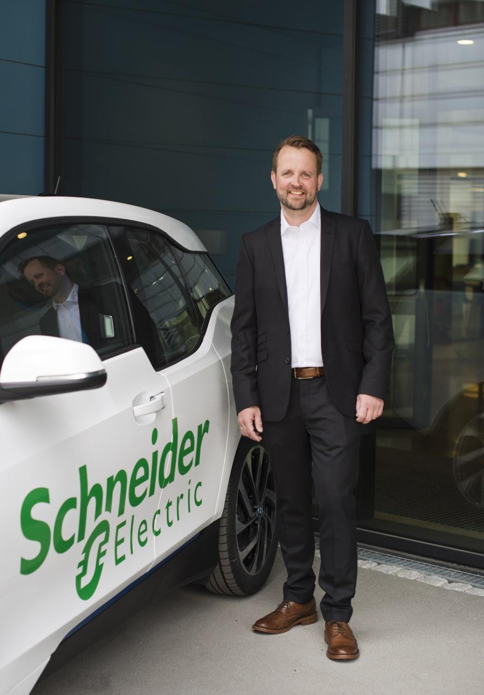 Ny ladestasjon for elbiler Schneider Electric Norge