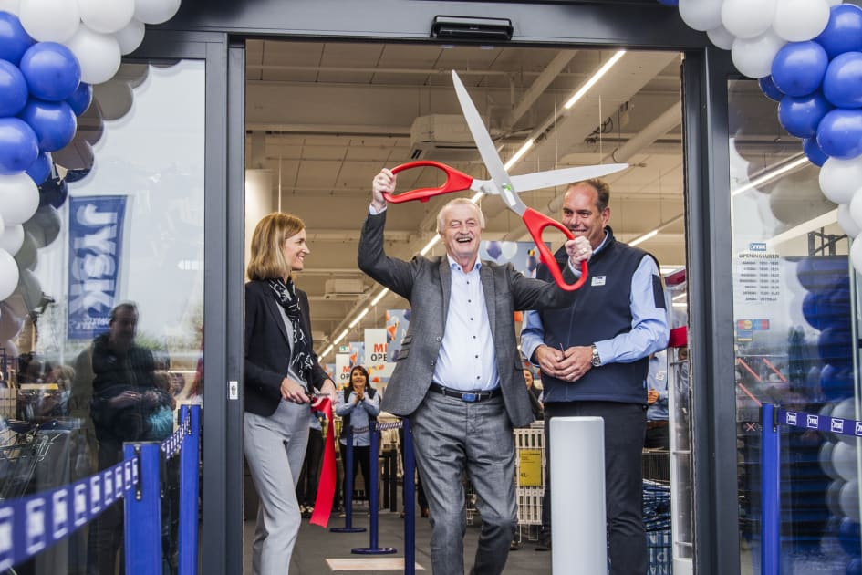 jysk fyller år JYSK når 2500 butiker   JYSK Sverige jysk fyller år