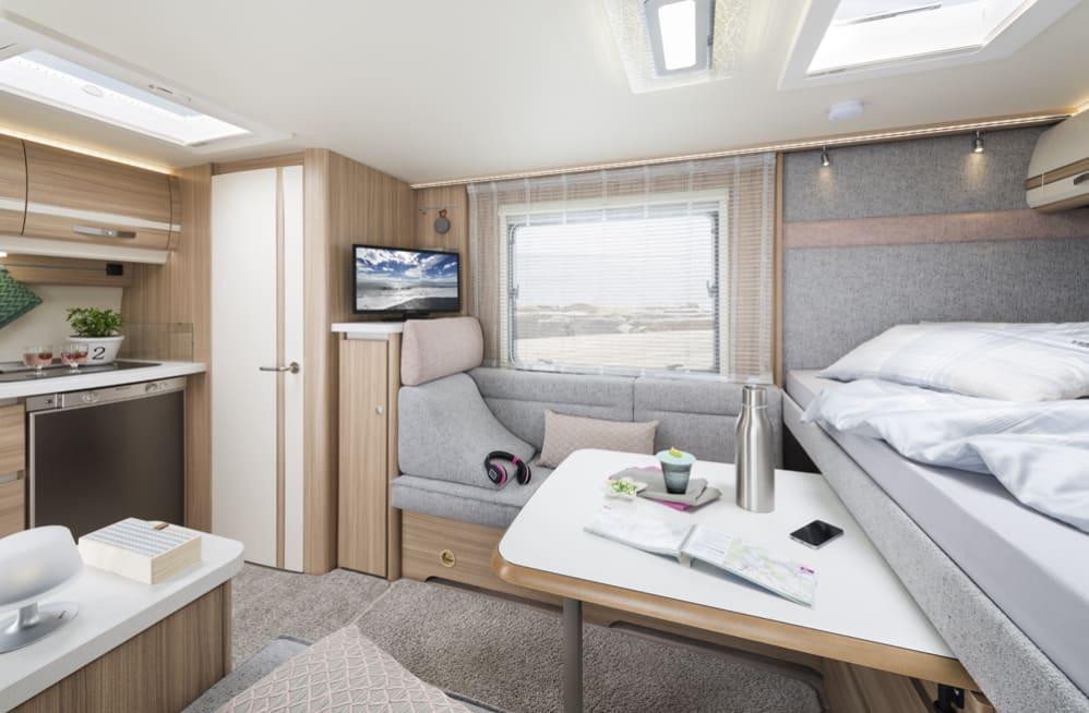 Raumwunder Lounge Caravan Bianco Emotion 445 Fh Von