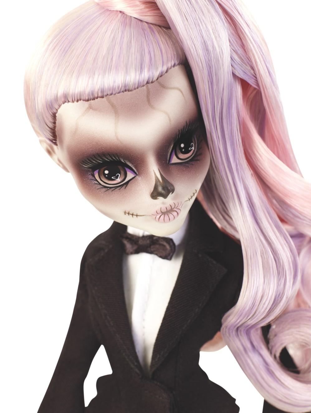 Monster High Bringt Gemeinsam Mit Der Born This Way Foundation
