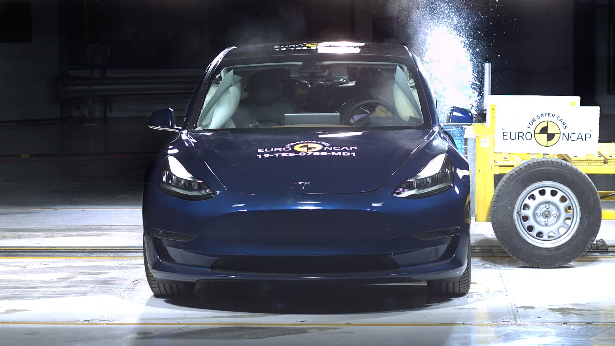 Tesla Model 3 Side crash test June 2019 - Thatcham Research