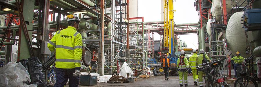 Nesteen jalostamoilla Kiwa Inspecta varmistaa laitteistojen ja koneiden turvallisuutta esimerkiksi rikkomattoman aineenkoetuksen menetelmillä.