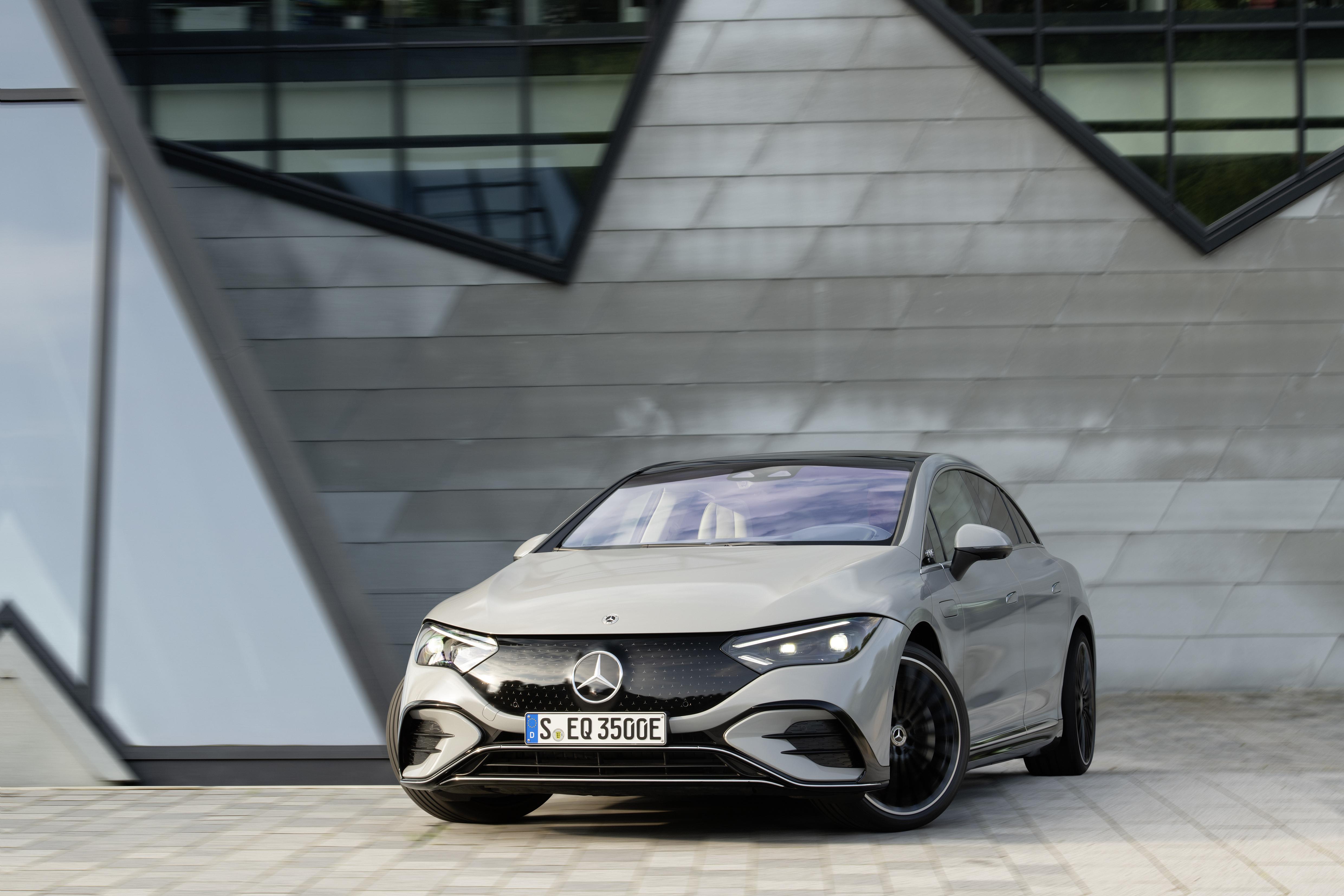 Nya EQE från Mercedes-EQ: Storsedan med upp till 66 mils räckvidd