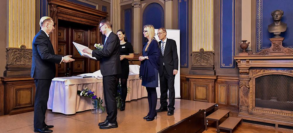 Inspecta Sertifioinnin puolesta palkinnon vastaanotti Kiwa Inspectan vt. maajohtaja Jari Haavisto