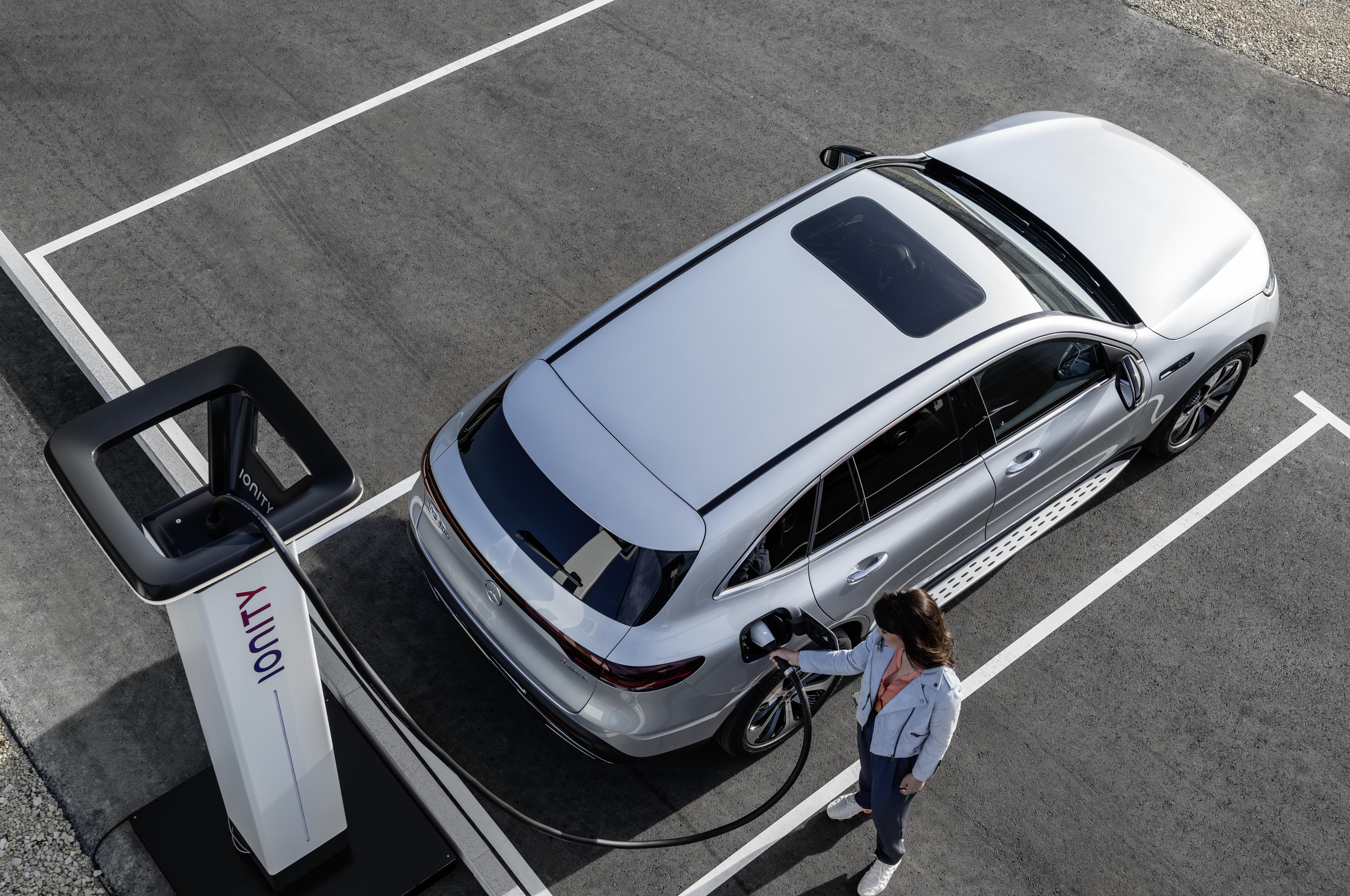 Svenska priser för Mercedes-Benz ultrasnabba elbilsladdning