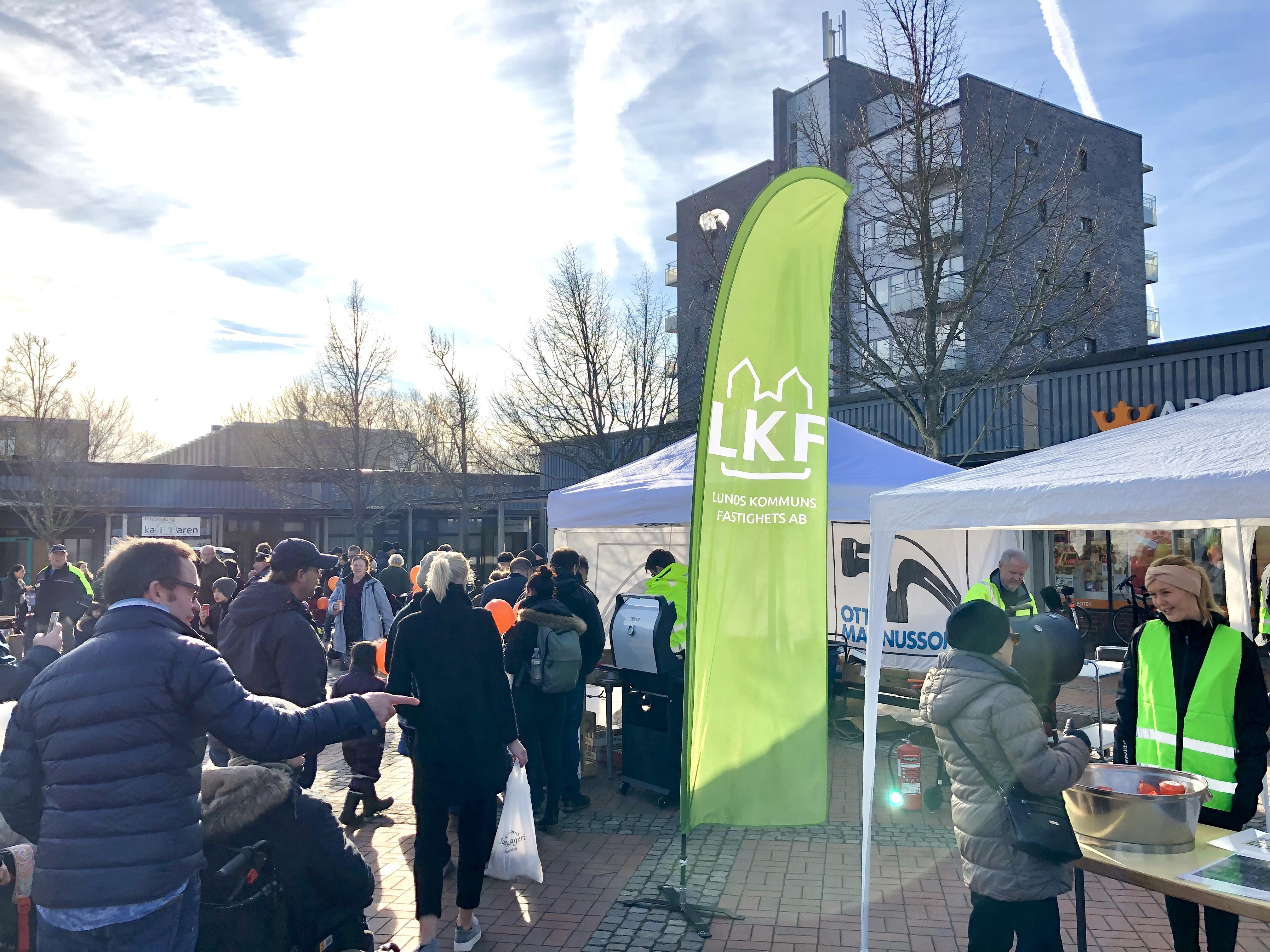 I tidig vårsol hölls en lyckad Vinterfest för boende och företag i området på Fäladen