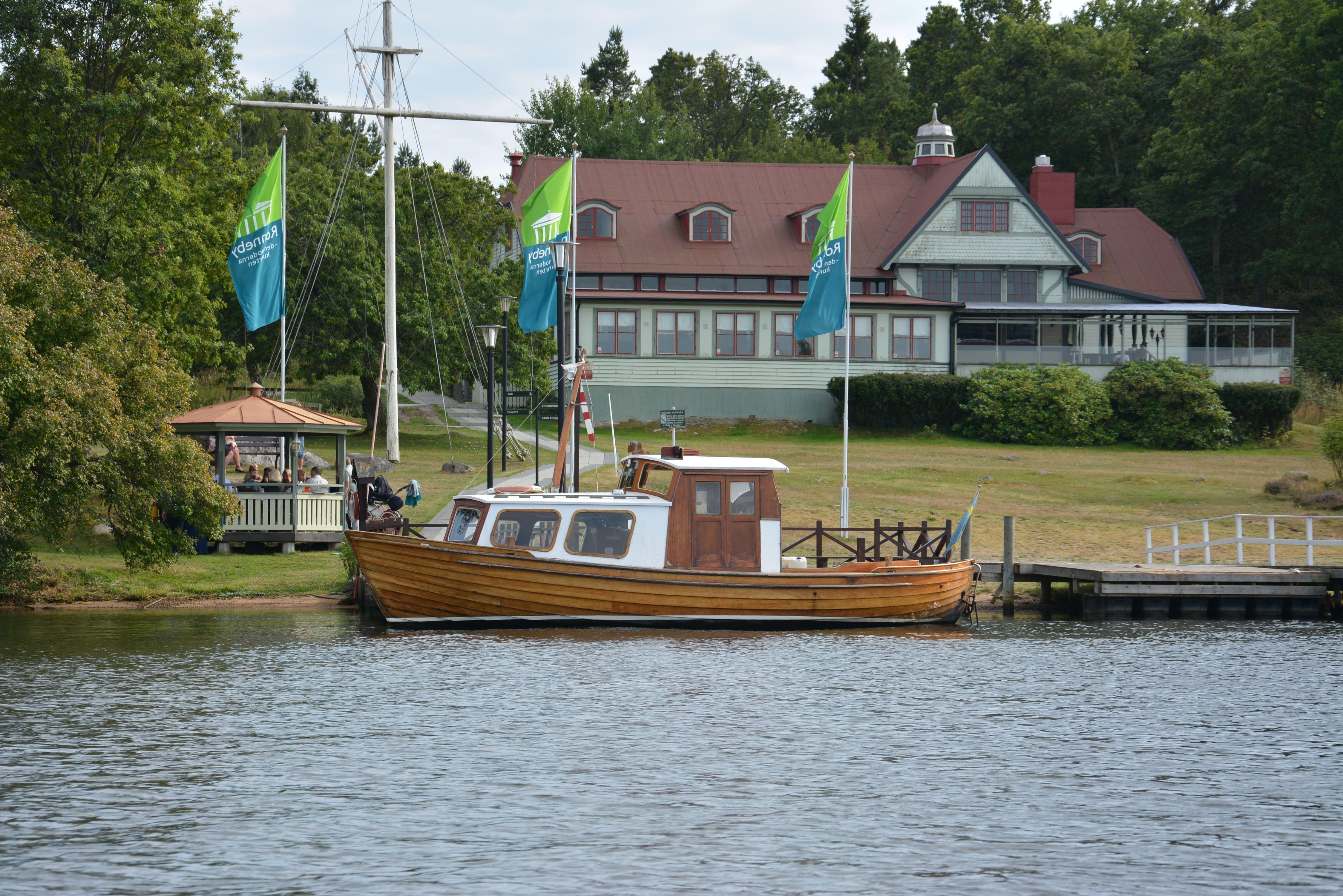 Dejta kvinnor i Karlskrona Sk bland tusentals kvinnor i