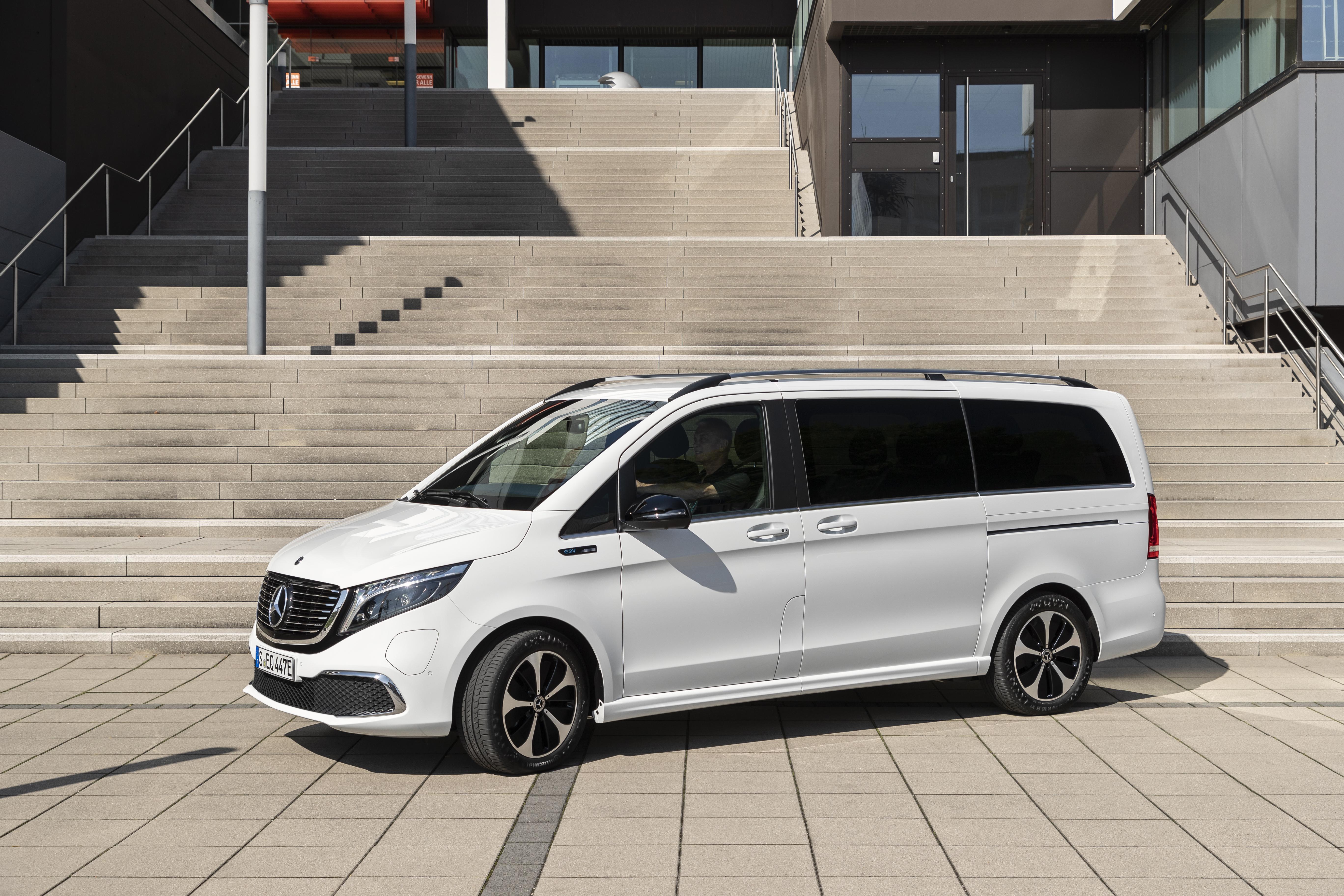 Svensk säljstart för Mercedes-Benz 8-sitsiga elbil