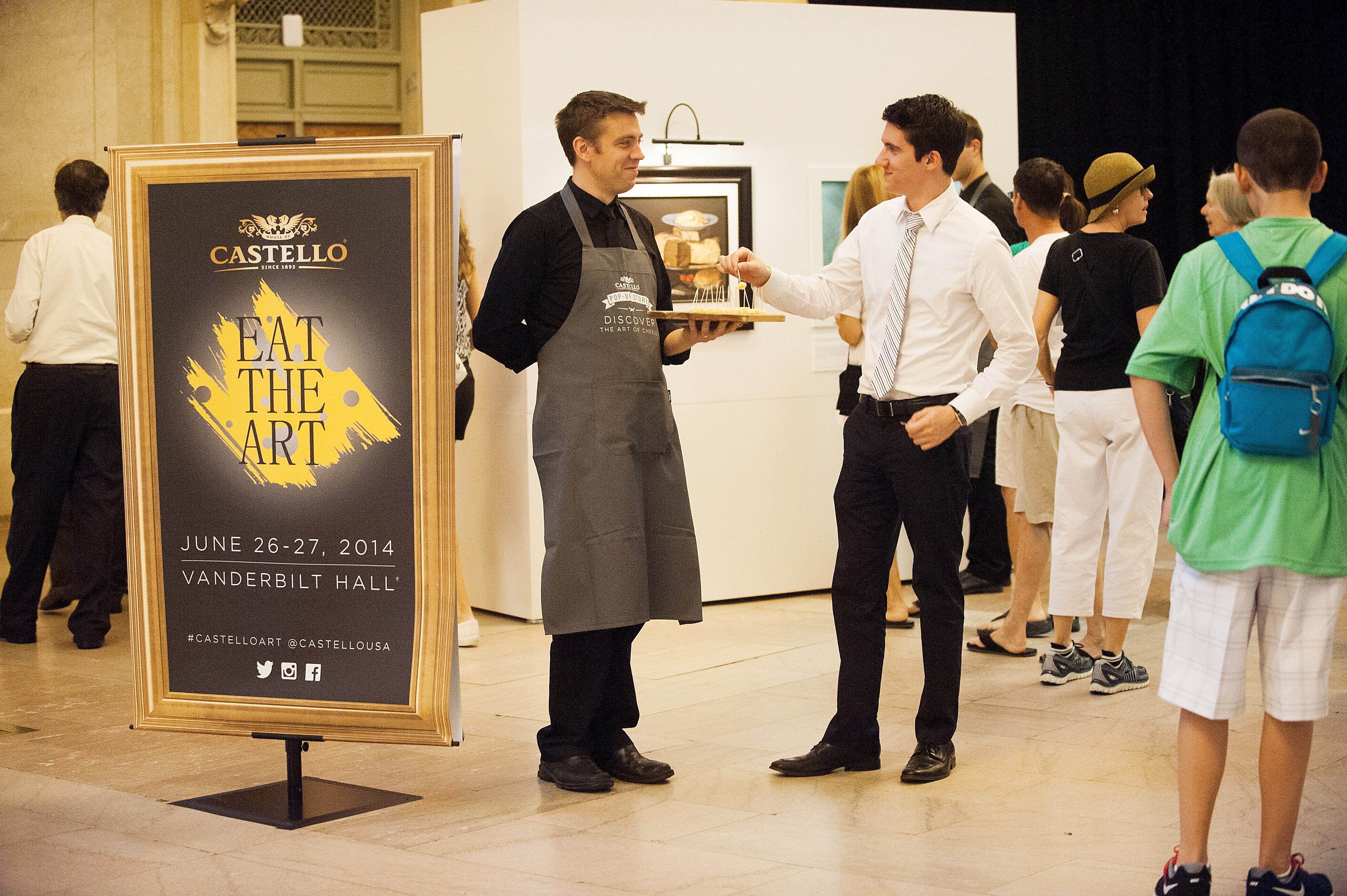 """Arla invited New Yorkers to """"Eat the Art"""" of Castello® cheese"""