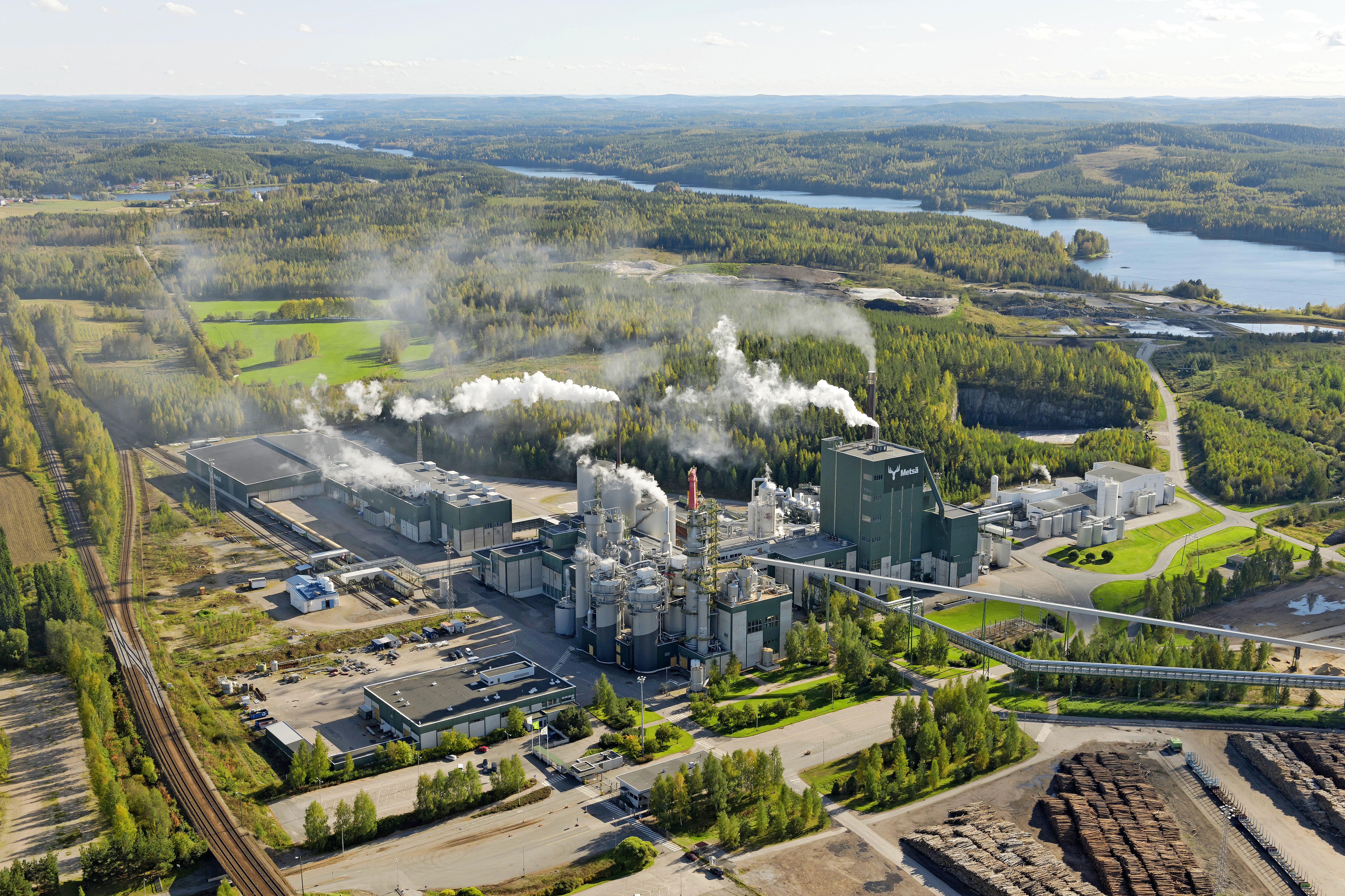 Valmistuessaan biotutotetehtaan tuotantokapasiteetti on jopa 1,3 miljoonaa tonnia sellua vuosittain.