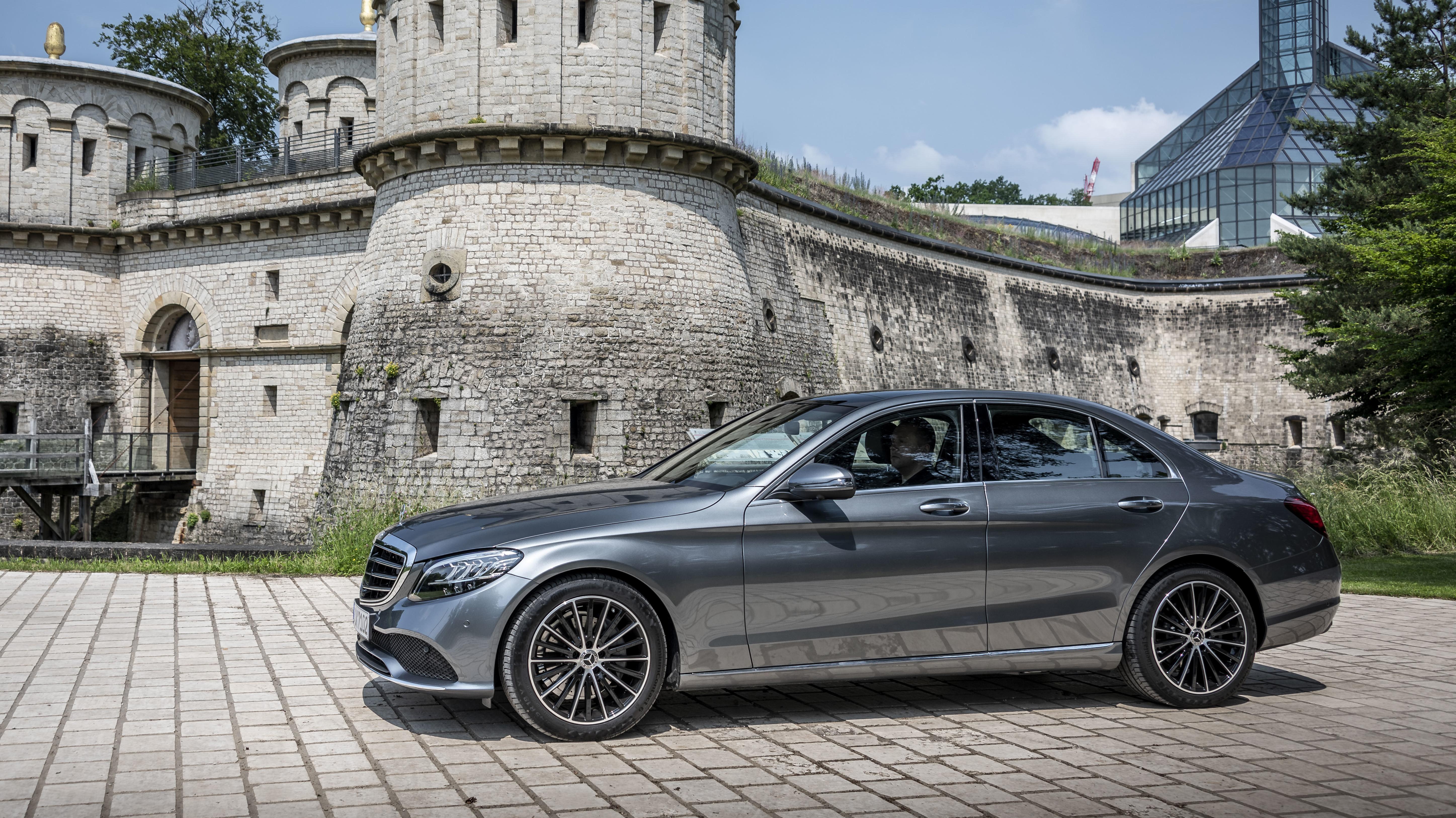 Mercedes elektrifierar motorprogrammet