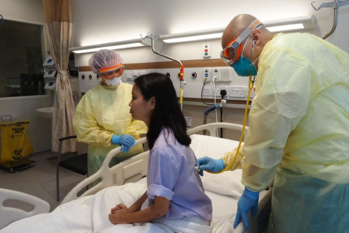 Contamination by Covid-19 patients peaks during first week of illness: Study