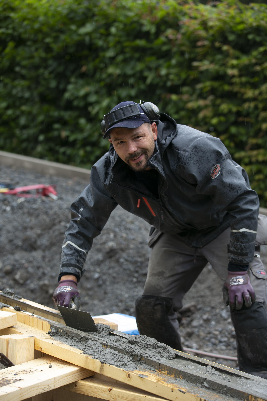 Björn bygger bo - Gjuten stödmur 2