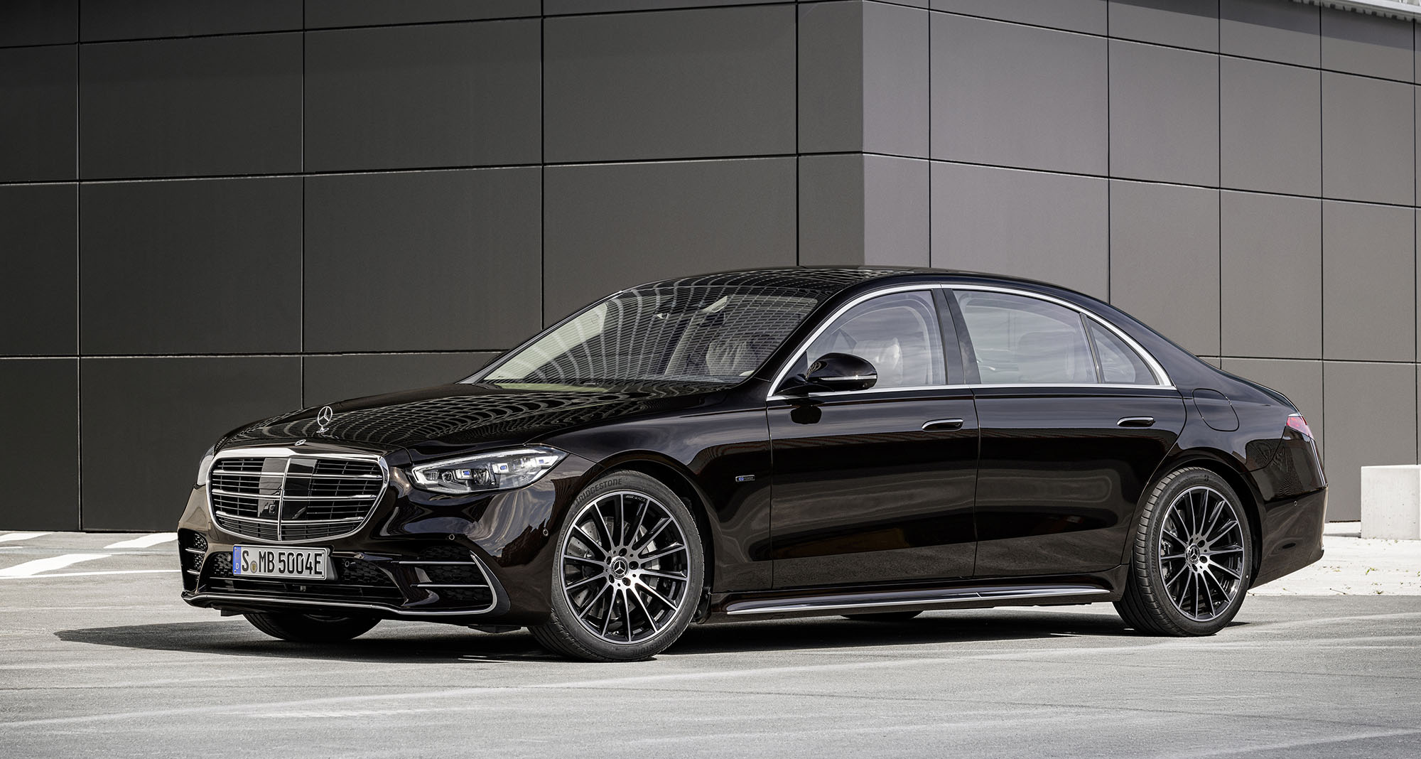 Nya Mercedes-Benz S-Klass visad: fler revolutionerande funktioner än någonsin