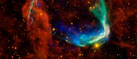 Rum-tidens krökning och supernovor