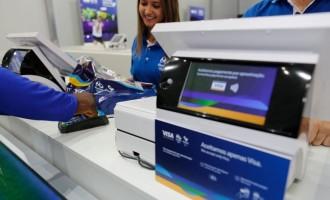 """Visa celebra 30 anni di partnership Olimpica a Rio 2016 con l'espansione del Team Visa e nuovi """"wearable"""", accessori indossabili dotati delle più innovative tecnologie di pagamento"""
