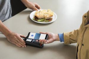 Nu kan Visa-kortholdere bruge Google Pay i Danmark