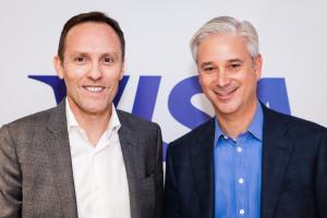 Nicolas Huss, CEO Visa Europe (links) und Charles W. Scharf, CEO Visa Inc. (rechts)