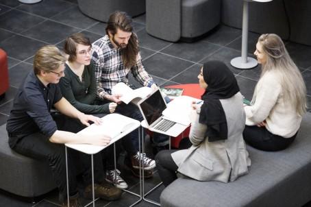 Högskolan Väst startar socionomutbildning